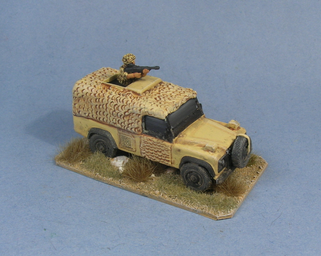 1/72 Snatch Land Rover (HD9)